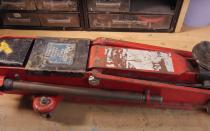 Реставрация автомобильного подкатного домкрата