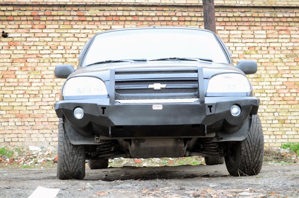 Усиленный бампер на Chevrolet Niva